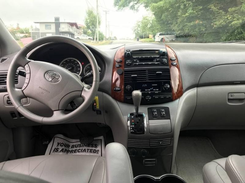 Toyota Sienna 2004 price $8,500