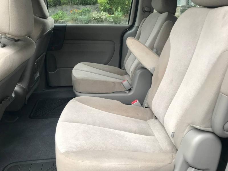 Kia Sedona 2011 price $6,800