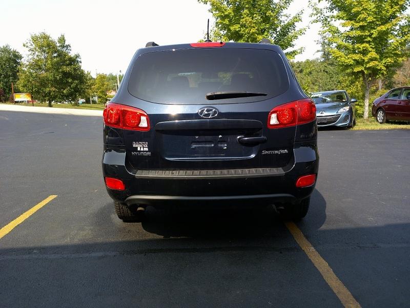 Hyundai Santa Fe 2009 price $3,950