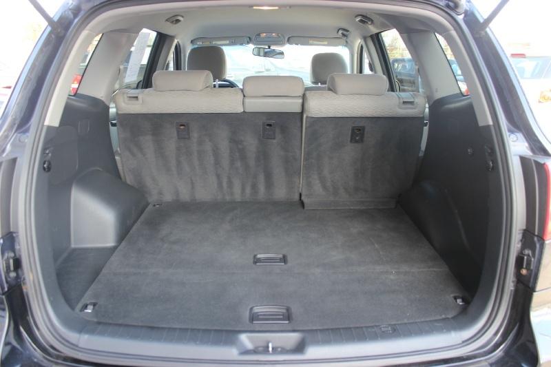 Hyundai Santa Fe 2009 price $3,750