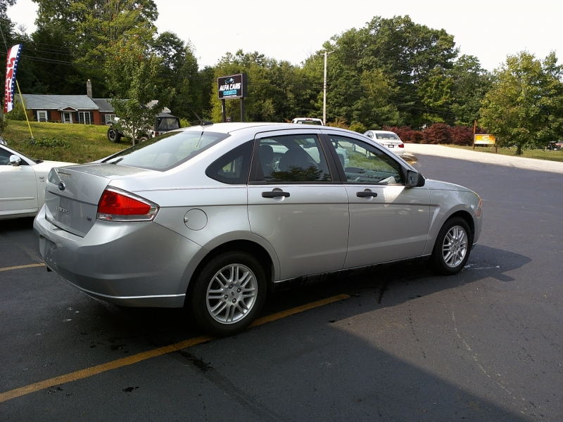 Ford Focus 2011 price $3,150