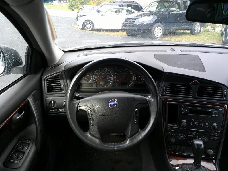 Volvo XC70 2006 price $3,650