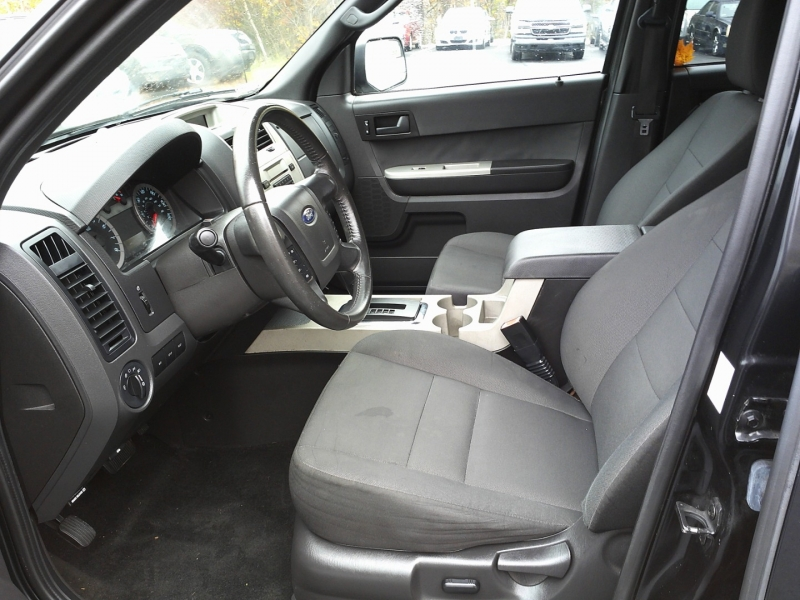 Ford Escape 2011 price $7,450