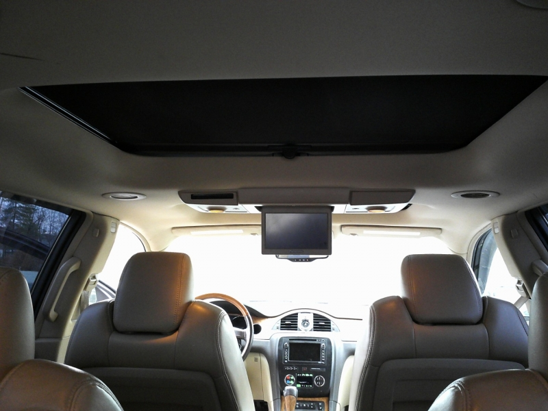 Buick Enclave 2010 price $8,250