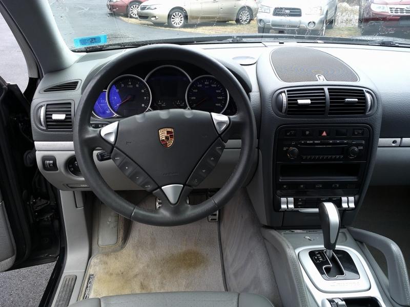 Porsche Cayenne 2005 price $10,500