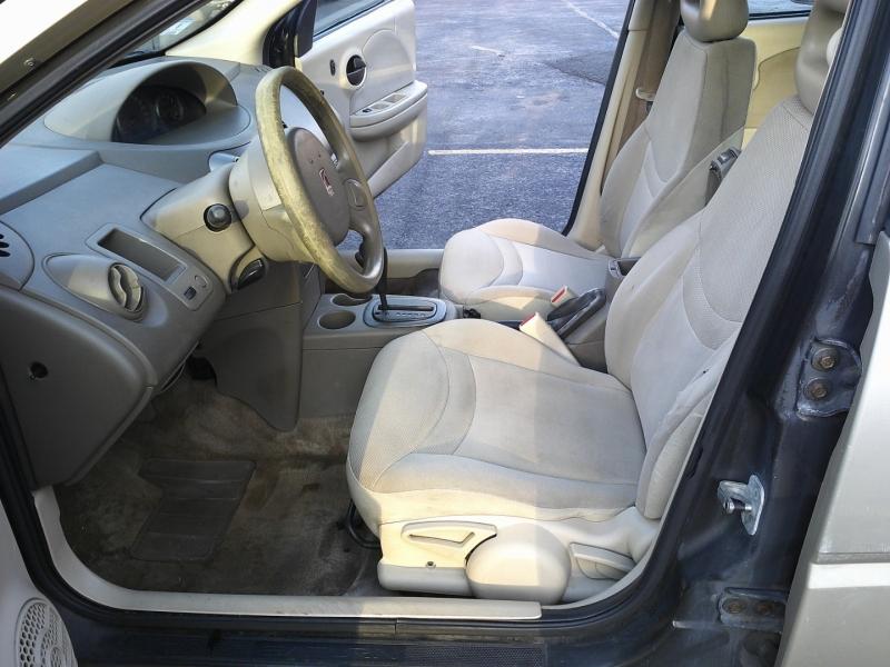 Saturn Ion 2004 price $850