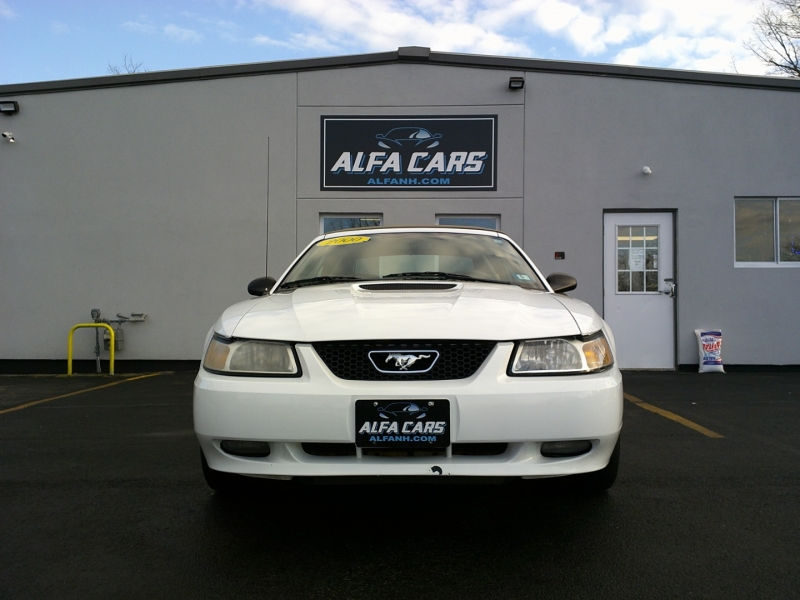 Ford Mustang 2000 price $7,950