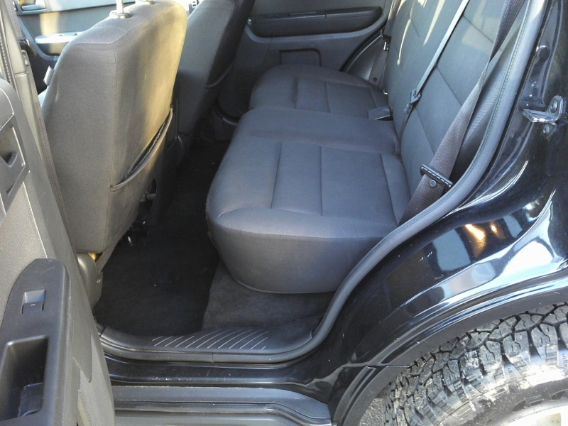 Ford Escape 2011 price $5,350