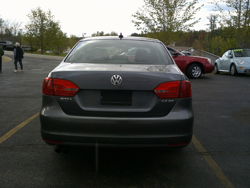Volkswagen Jetta Sedan 2011 price $5,950
