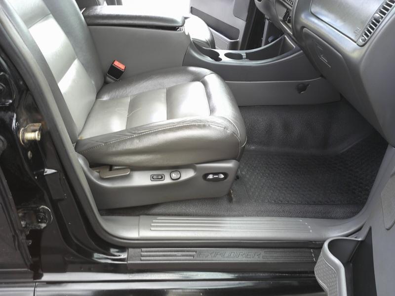 Ford Explorer Sport Trac 2005 price $5,450