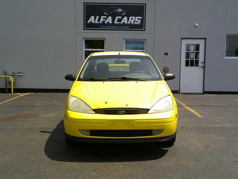 Ford Focus 2001 price $900