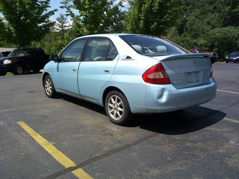 Toyota Prius 2002 price $2,950
