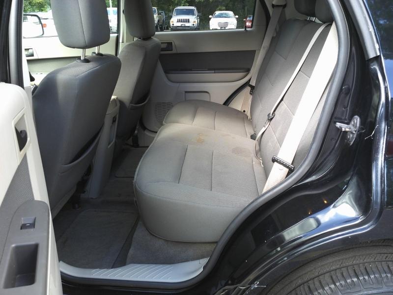 Ford Escape 2010 price $6,850