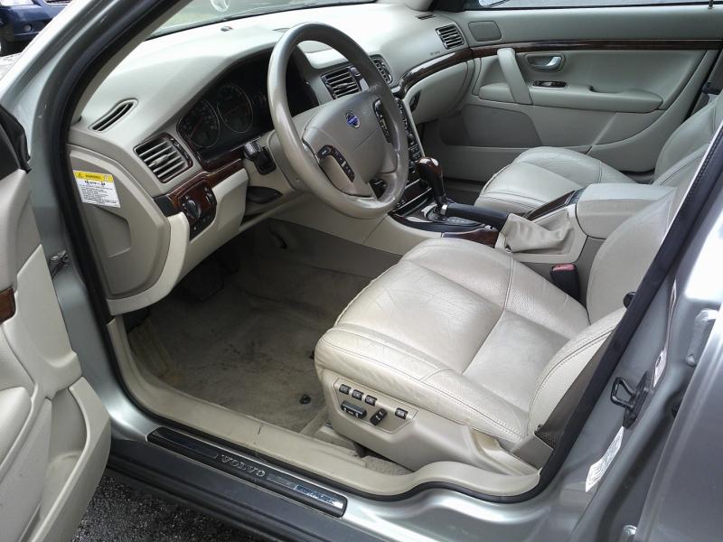 Volvo S80 2005 price $5,550