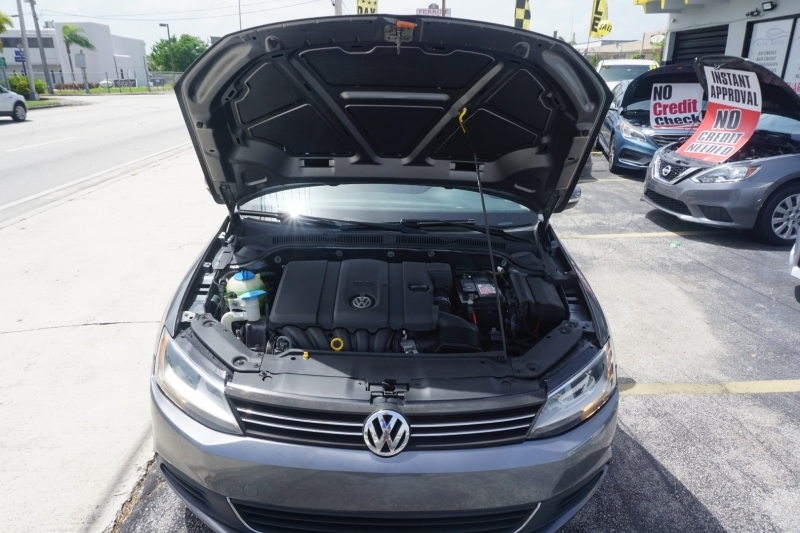 Volkswagen Jetta Sedan 2012 price $6,499
