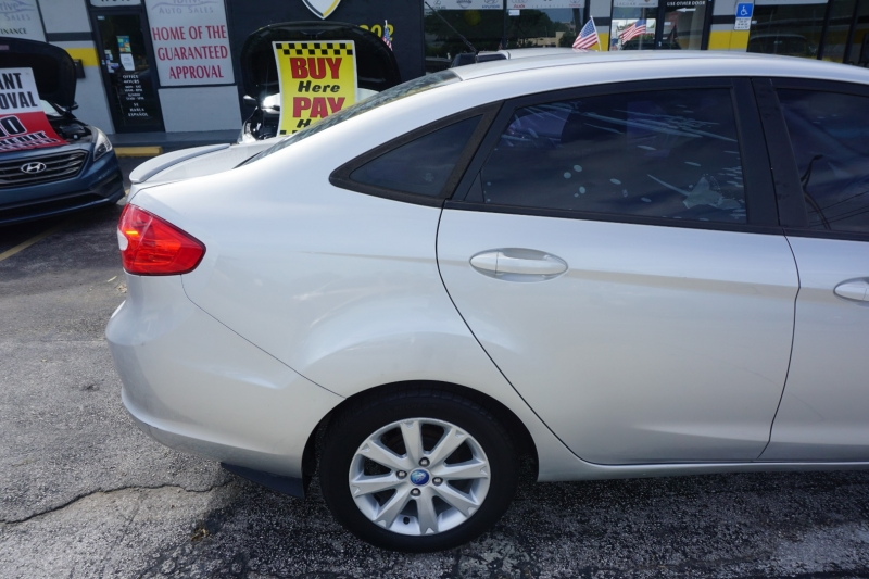 Ford Fiesta 2012 price $3,999
