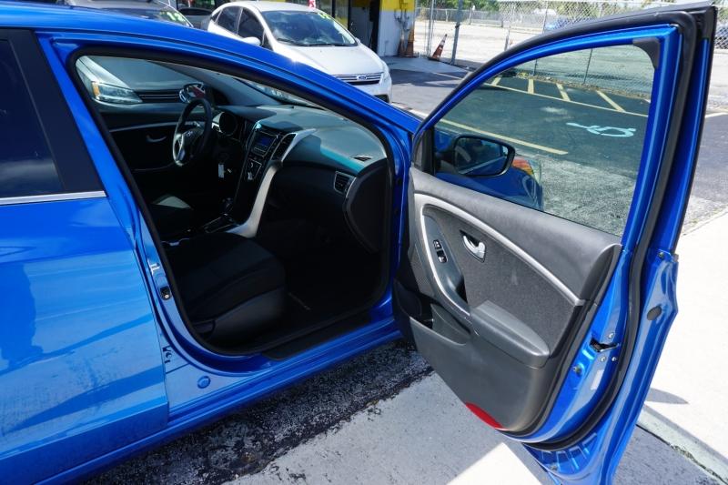 Hyundai Elantra GT 2017 price $10,999