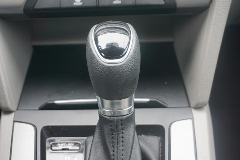 Hyundai Elantra 2017 price $11,499