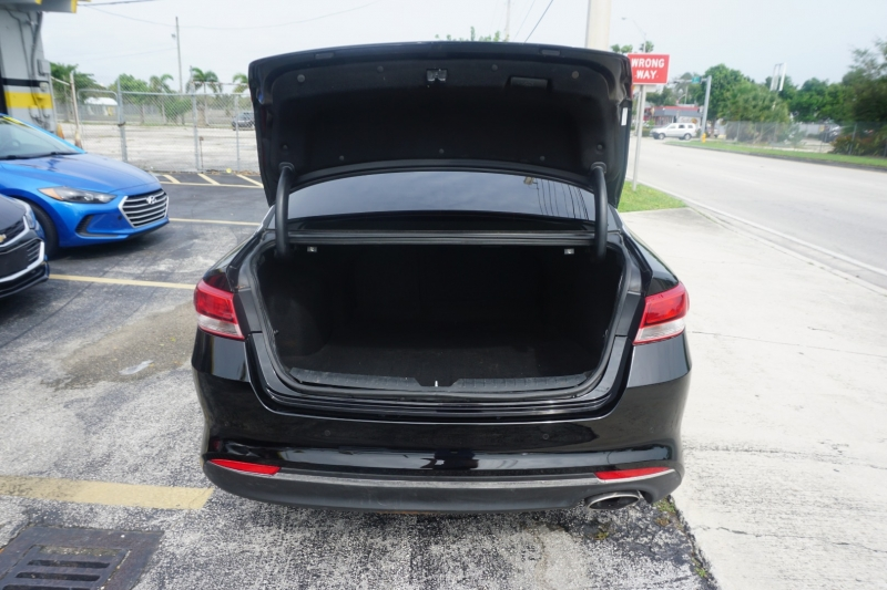 Kia Optima 2018 price $12,999