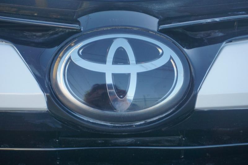 Toyota Corolla 2018 price $13,499