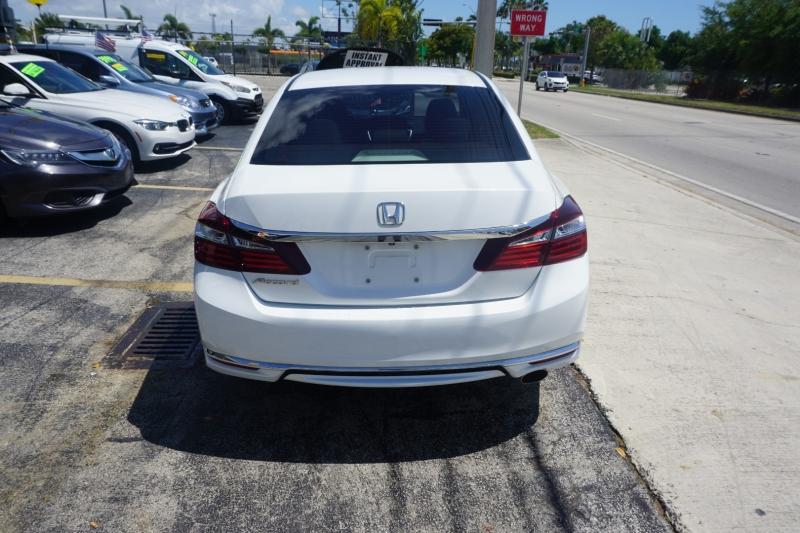 Honda Accord Sedan 2016 price $13,999