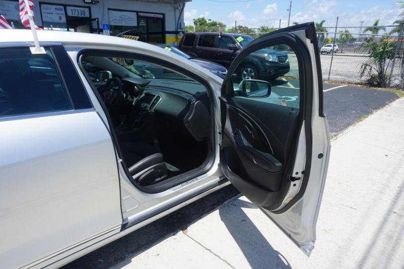 Buick LaCrosse 2016 price $14,499