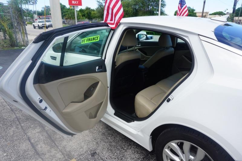 Kia Optima 2015 price $13,499