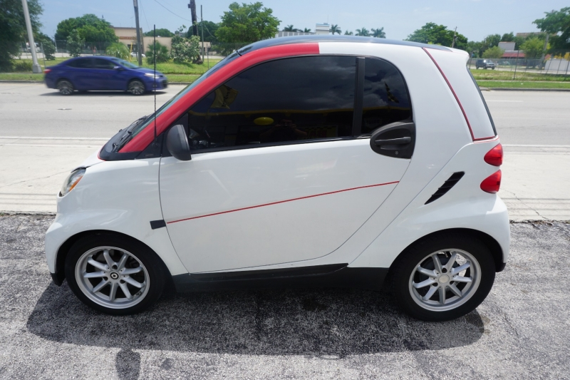 Smart fortwo 2009 price $4,499