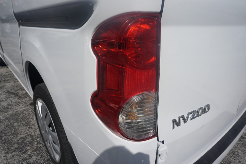 Nissan NV200 Compact Cargo 2017 price $14,900