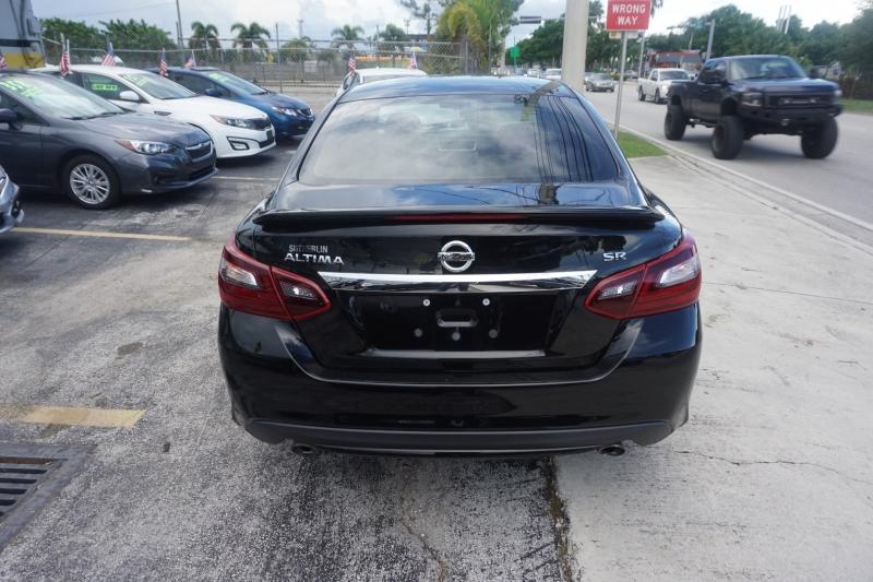 Nissan Altima 2017 price $14,999
