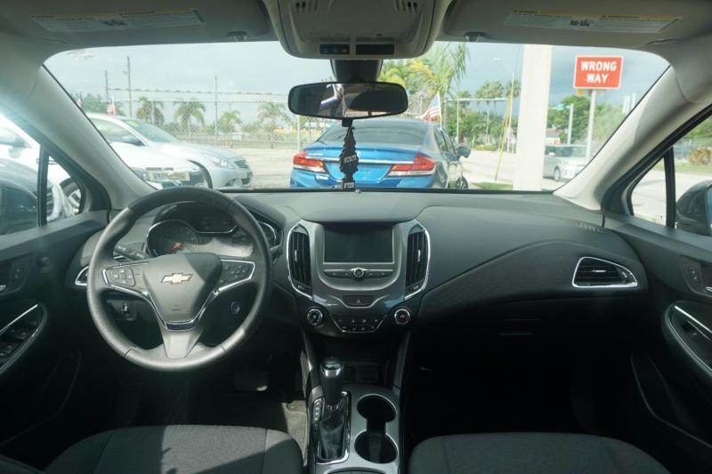 Chevrolet Cruze 2017 price $13,500