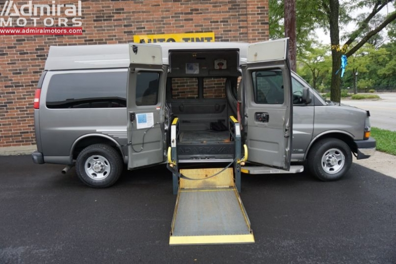 Chevrolet Express Passenger 2010 price $14,950