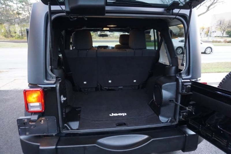 Jeep Wrangler Unlimited 2012 price $23,600