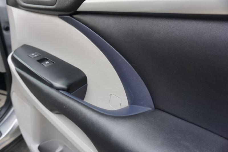 Toyota Highlander 2015 price $23,995