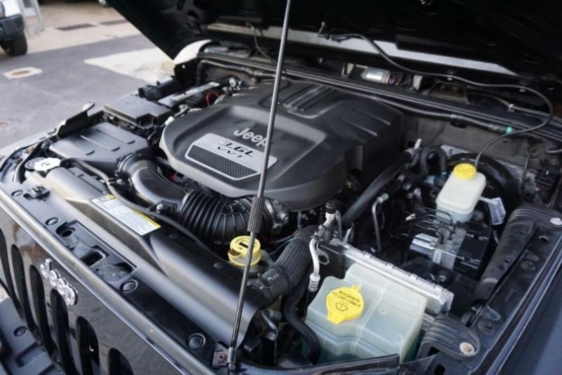 Jeep Wrangler Unlimited 2012 price $22,300