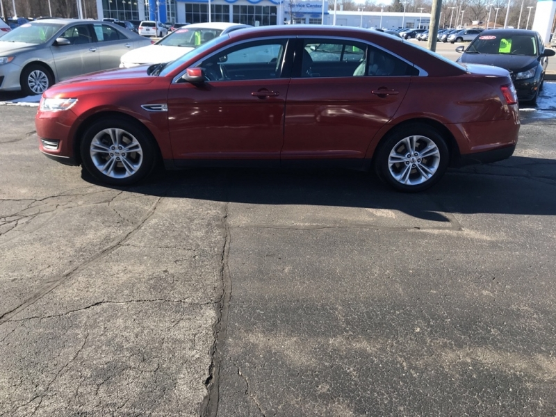 FORD TAURUS 2014 price $9,995