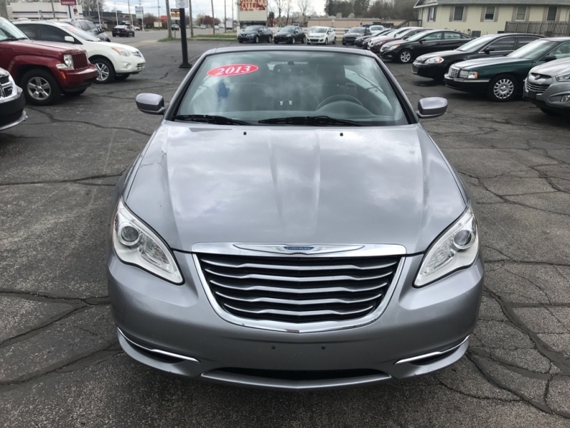CHRYSLER 200 CONVERTIBLE 2013 price $9,995