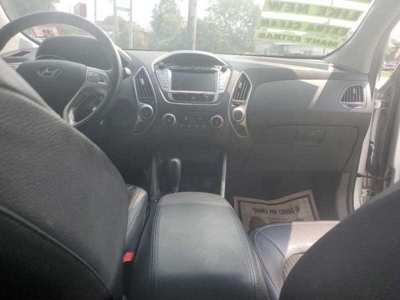 HYUNDAI TUCSON 2011 price $8,235