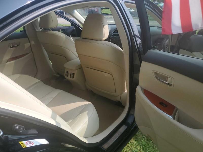Lexus ES 2011 price $9,075
