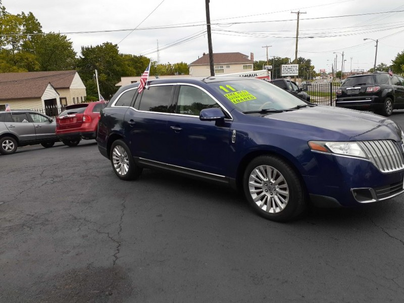 LINCOLN MKT 2011 price $10,245