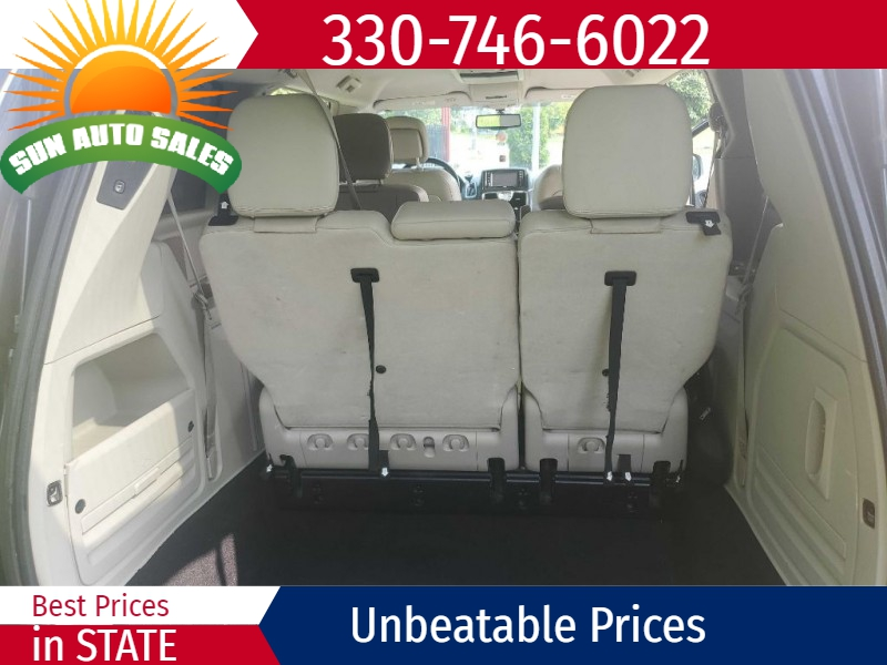 CHRYSLER TOWN & COUNTRY 2013 price $9,170