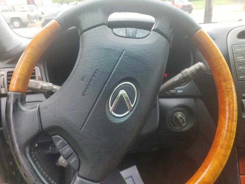 Lexus LS 430 2004 price $5,170