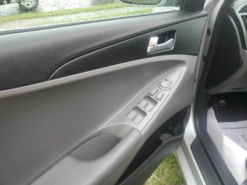 Hyundai SONATA 2011 price $6,645