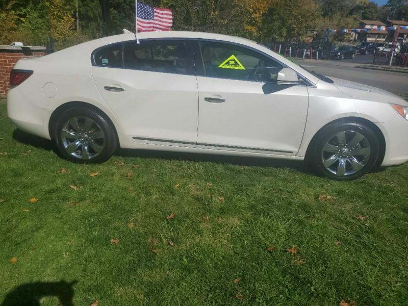 Buick LACROSSE 2010 price $8,715