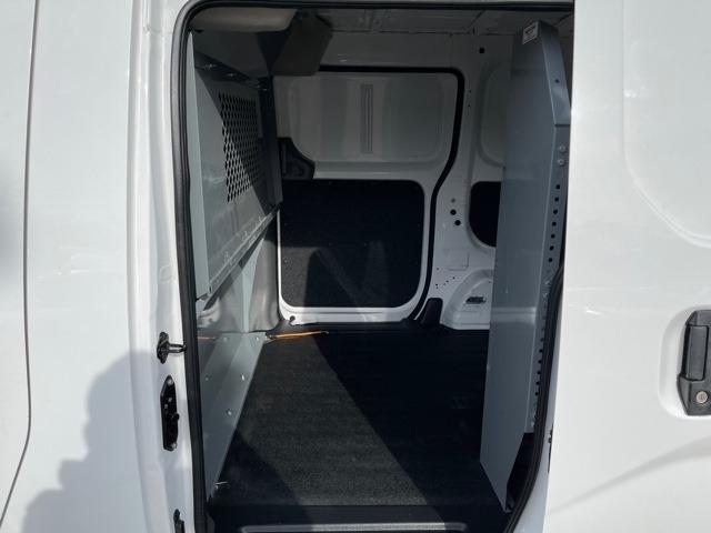 Chevrolet City Express Cargo Van 2015 price $11,900