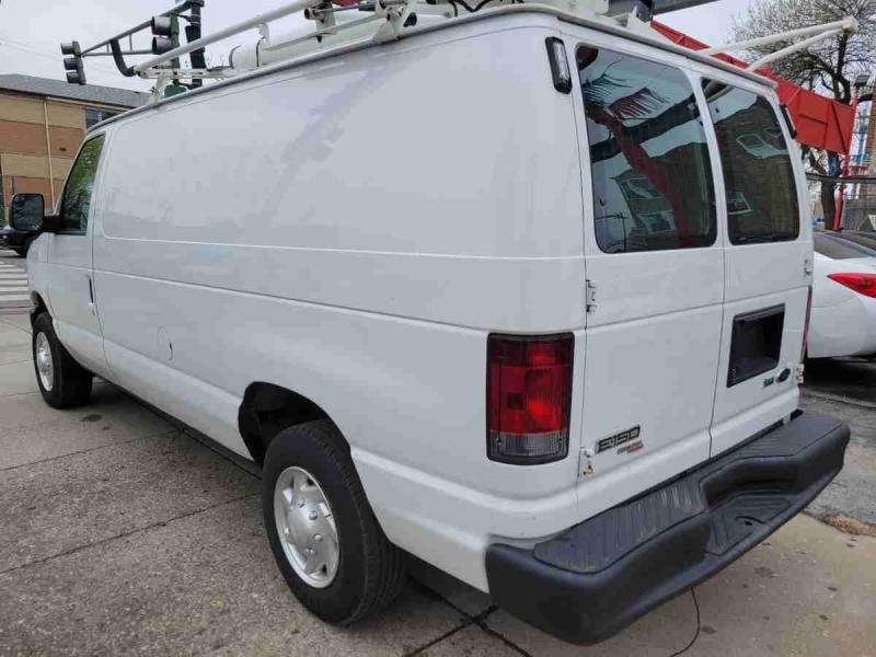 Ford Econoline Cargo Van 2011 price $10,950