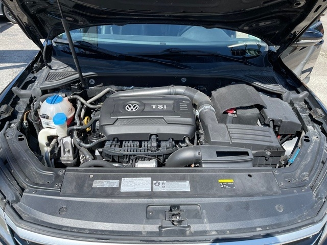 Volkswagen Passat 2016 price $12,950