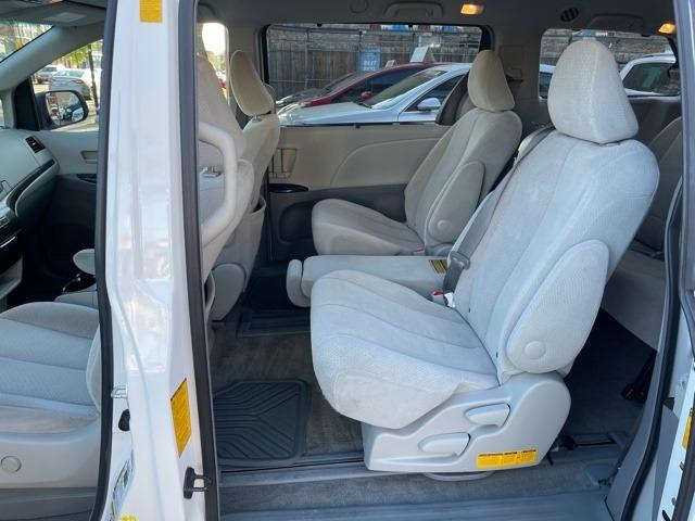 Toyota Sienna 2014 price $11,950