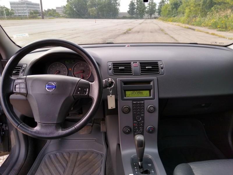 VOLVO S60 2004 price $4,500