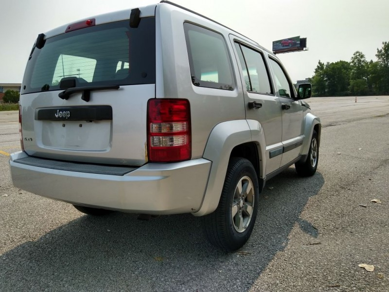 JEEP LIBERTY 2009 price $4,995